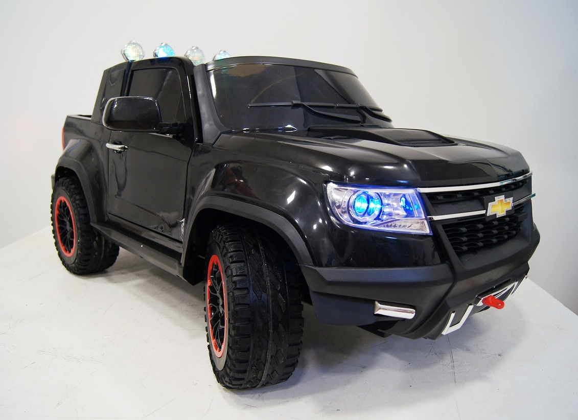 Электромобиль Chevrolet Colorado Black